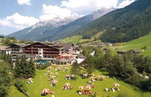 Spa Hotel Jagdhof_Außenansicht Sommer klein